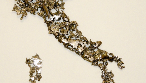 07 GOLDANIGA Italia bronzo 2011 cm. 57×50